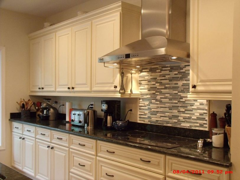 Http Www Mykitcheninterior Com Finding The Right Cream Kitchen Cabinets