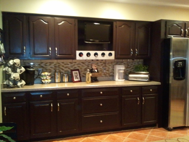 Staining kitchen cabinet to refresh your kitchen my for Staining kitchen cabinets