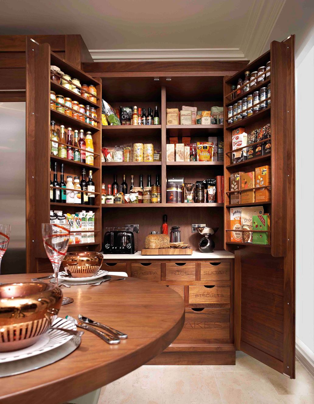 Functional and stylish designs of kitchen pantry cabinet for Pantry ideas for a small kitchen