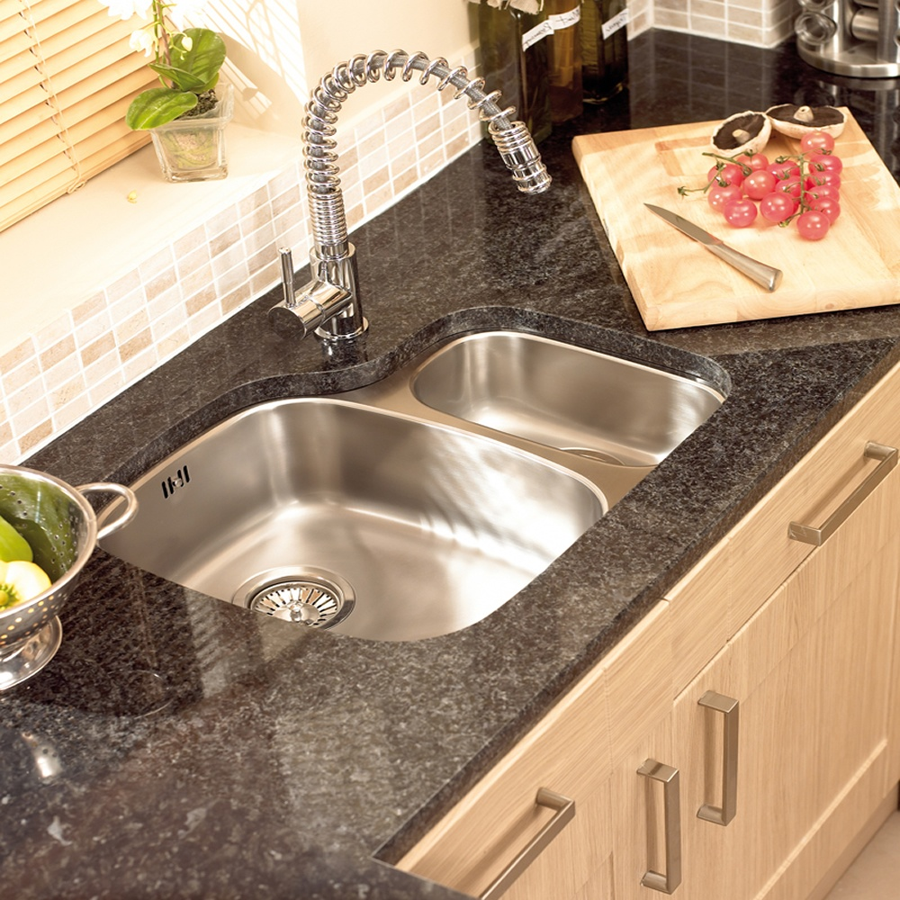 Attractive Faucet on Undermount Stainless Steel Kitchen Sink for Superb Kitchen with Wooden Counter and Granite Countertop